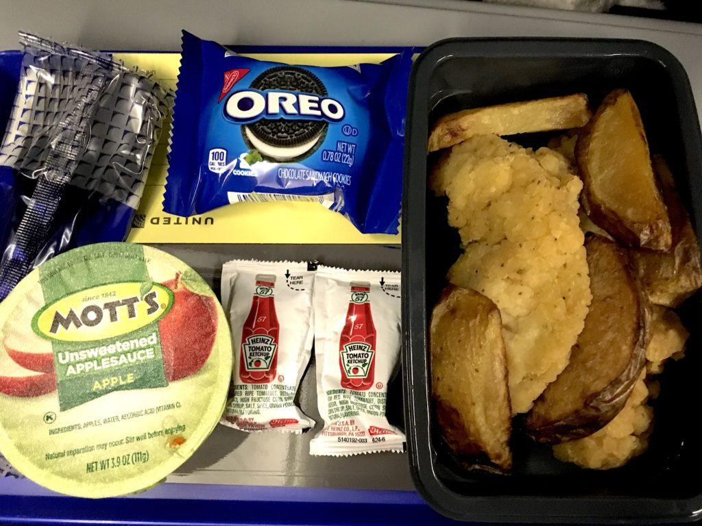 子連れ飛行機 Unitedの食事